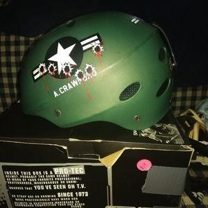 Like new L Pro-Tect snowboard helmet